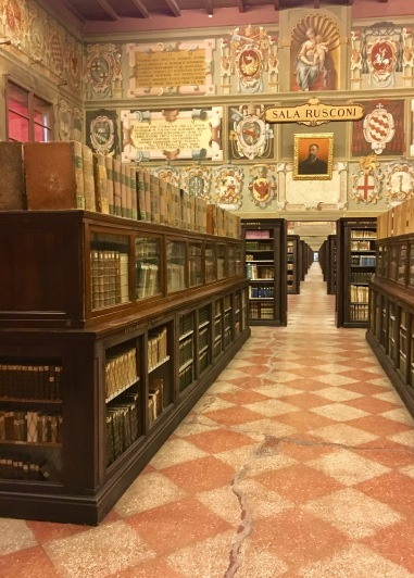 Biblioteca Communale (City Library) in Palazzo dell'Archiginnasio with 800,000 works